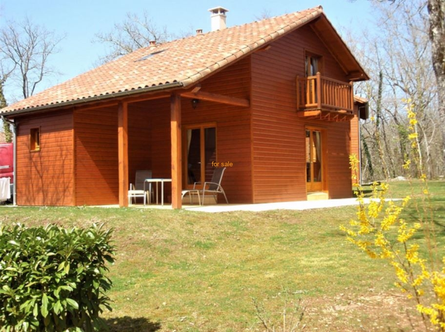 Main Photo of a 2 bedroom  Chalet for sale