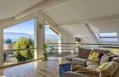EV1-453-PEO, Modern Spacious 4 Bedroom Villa with Lovely Lake Geneva Views.