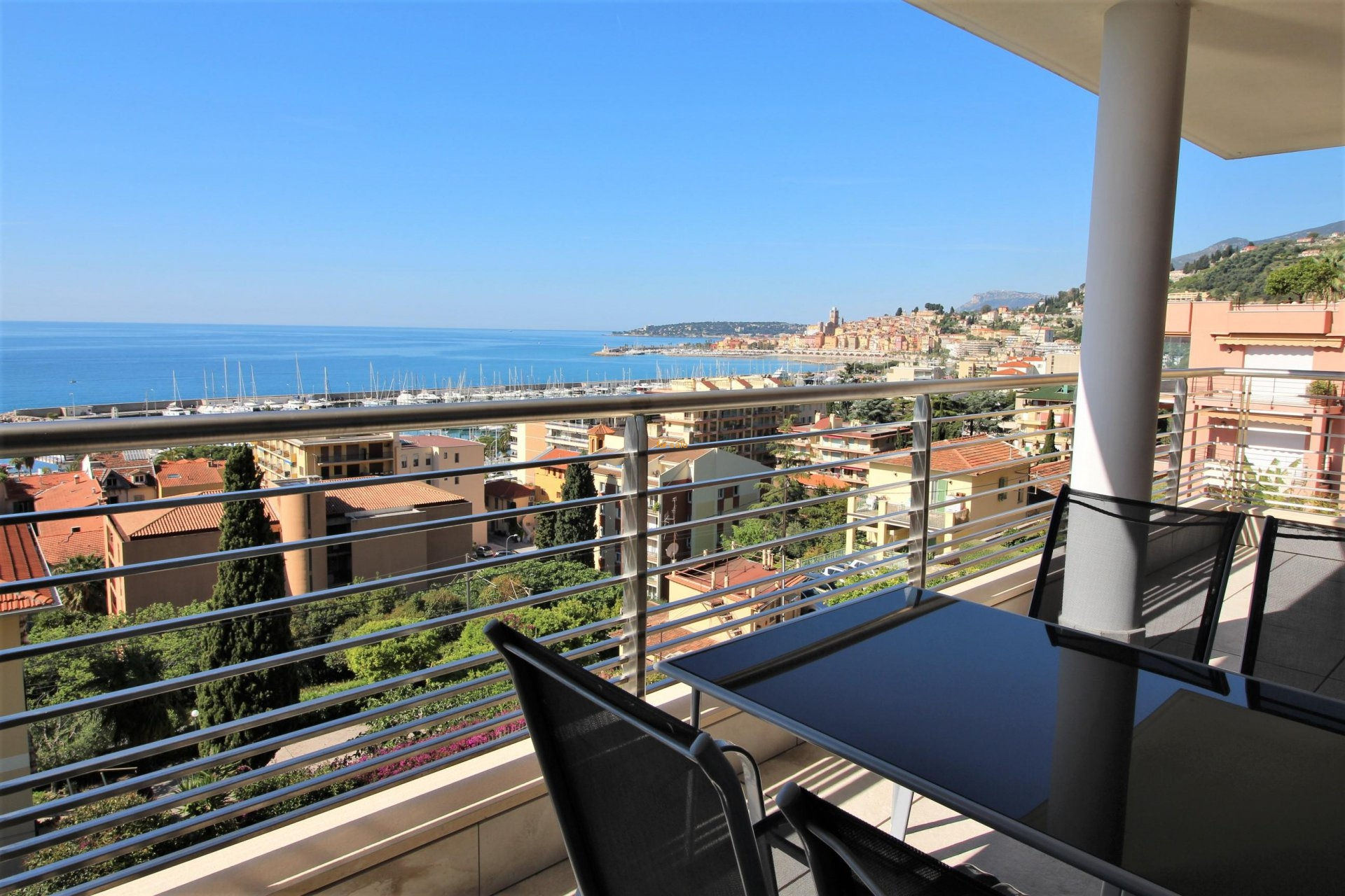 WMN2861845, Superb 2 bedroom apartment with terrace and magnificent sea view - Menton Garavan